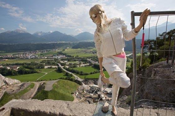 Mannequin Death, 2015 (video still)